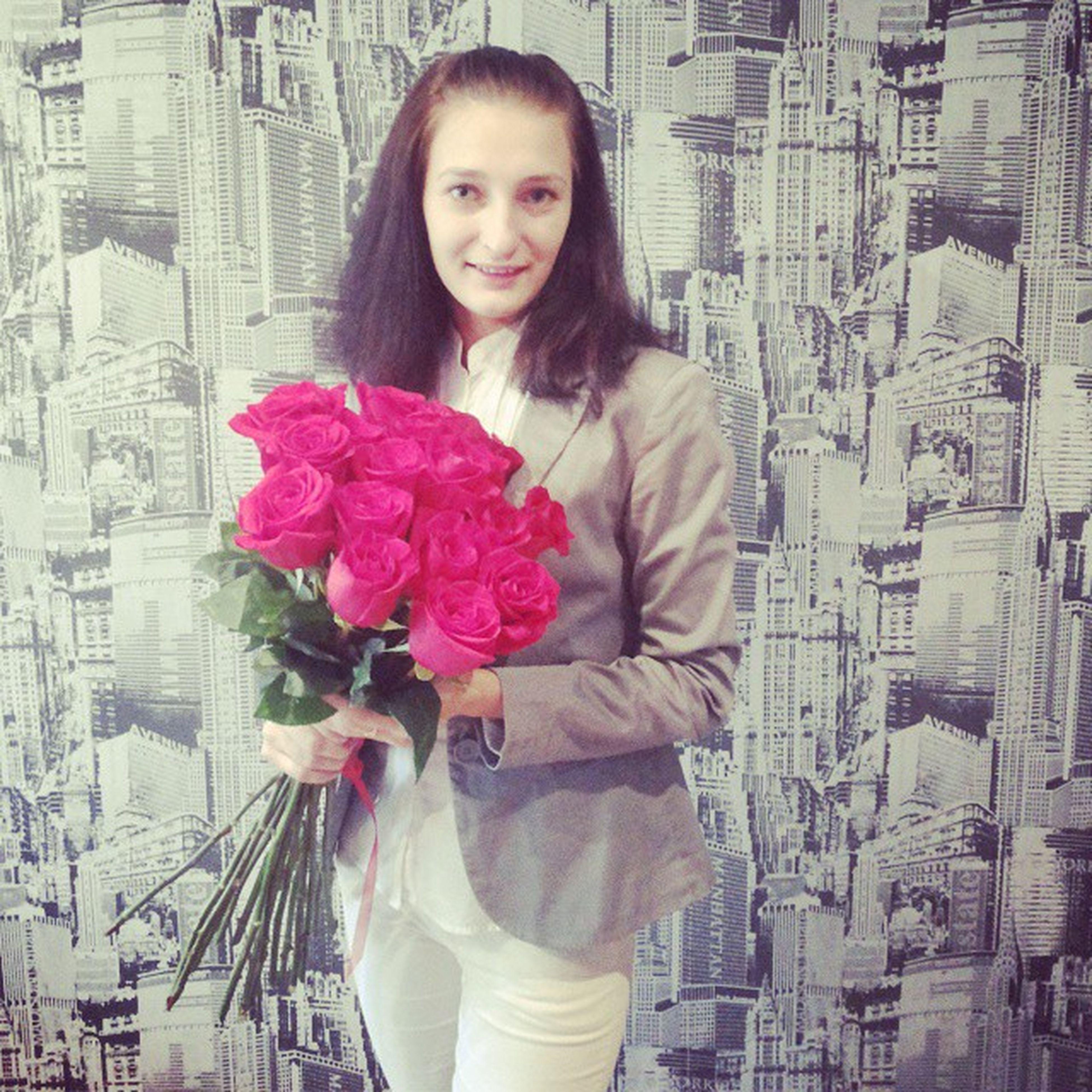 День рождение)))))праздник праздник именины ужевзрослая отмечатьрозыцветы
