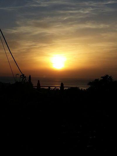 Walking Around Sun Sunset Sunset_collection Sunsetporn End_of_a_day Sea Relaxing Enjoying The Sun Beautiful Sunset