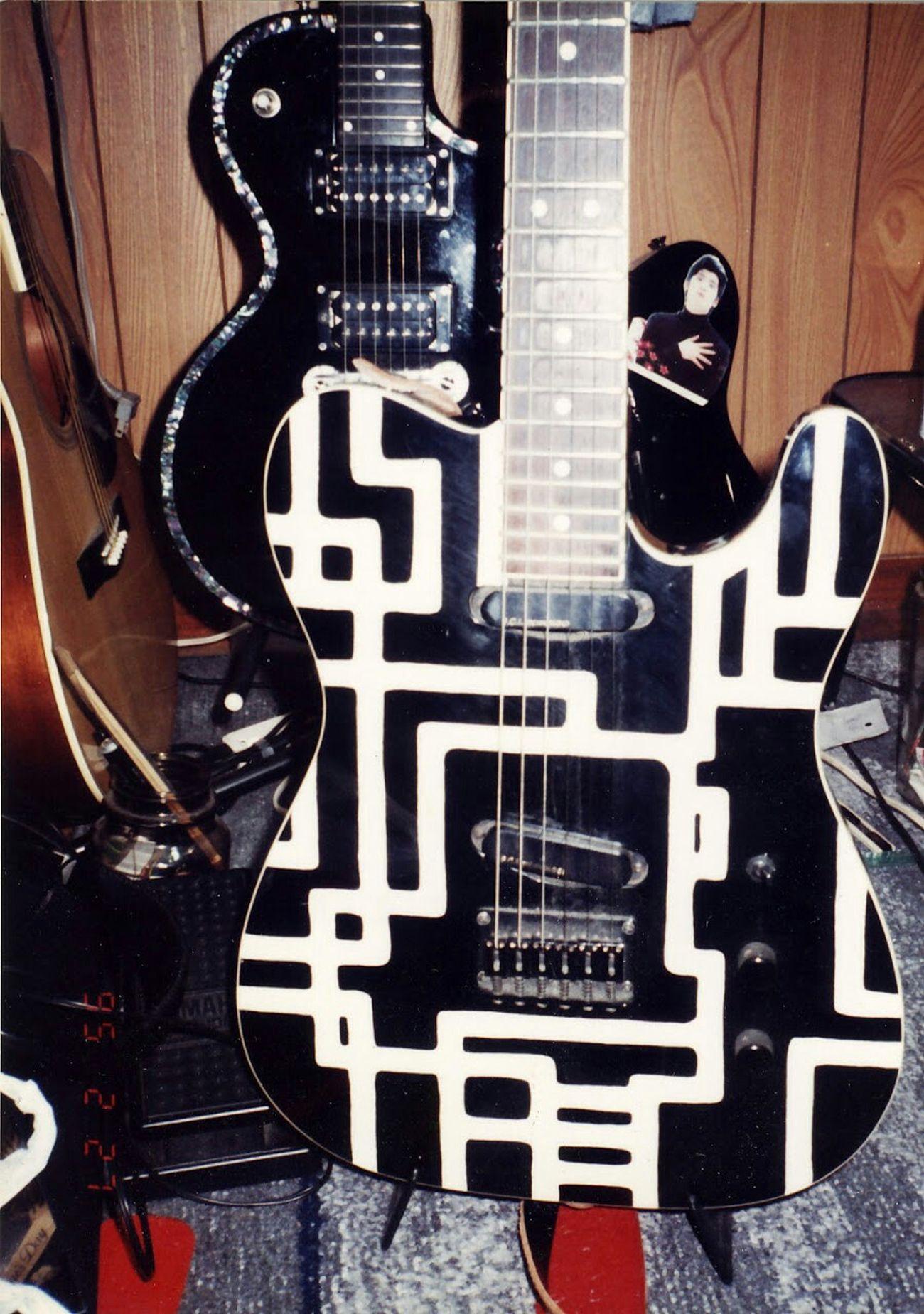 懐かしい写真が出てきました(笑)1995年ってプリントされてる!20年前?! 趣味 Hobby Guitars
