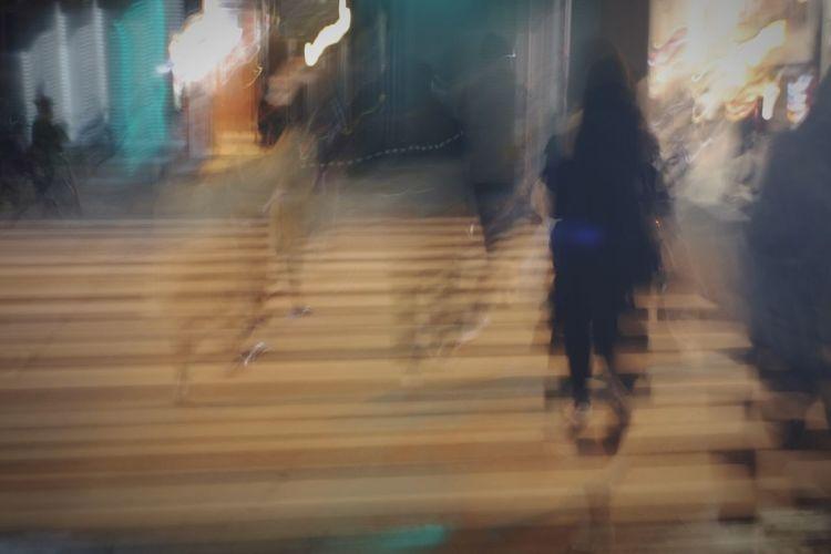 我想去哪儿.我要去哪儿. Walking Real People Day Oldlens Stay Street Oldlense Streetphotography Nightphotography Silhouettes Here And Now