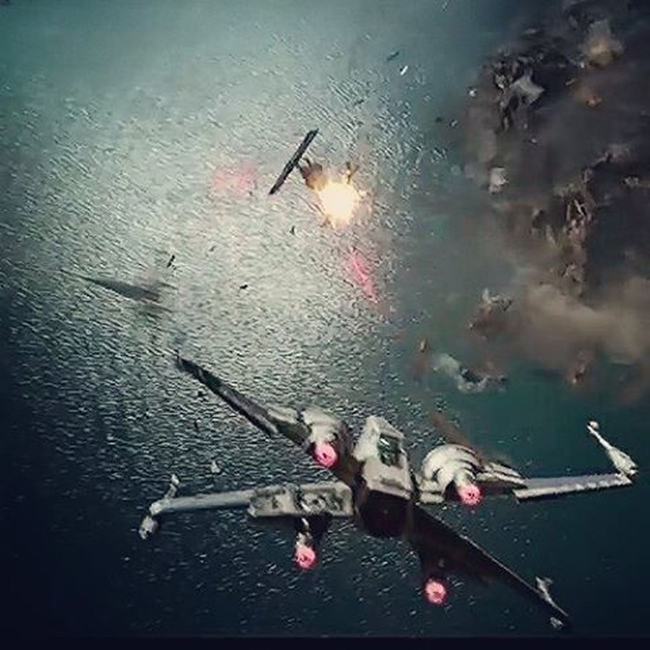 There are already iconic scenes just from the trailer and a massive dogfight between x-wings and tie fighters is a big one for me! The anticipation is making me want to pee! Swtfa Starwars Episode7 Tiefighter Xwingfighter Afosw Needtogopee