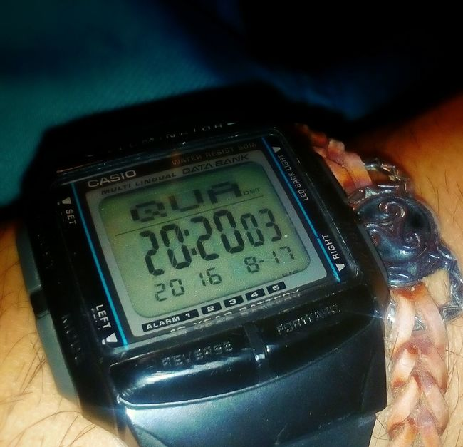 Wacht Casiowatch Casio Pretoebranco Blue Black VSCO Vscocam Colour Of Life Triskel Triskele Celtic Photography Time Time To Reflect CasioPourL'Occasion Casio Watch Photoart Photooftheday