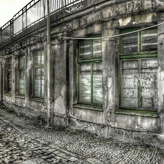 Creepywindowsunday Eto_okno Window_filth Windows_aroundtheworld whatsonyourwindowsill rsa_doorsandwindows