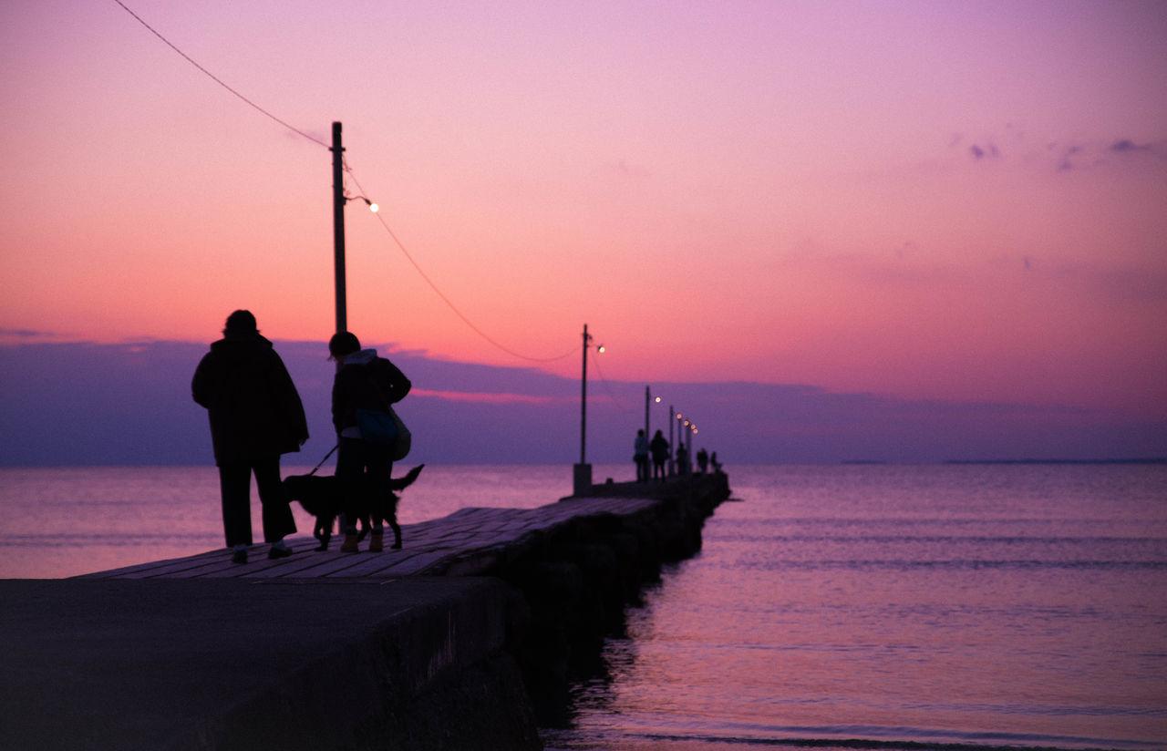 原岡海岸 Sunset Sea Silhouette Beach Water Sea And Sky Pier Sunset Silhouettes Sunset And Clouds