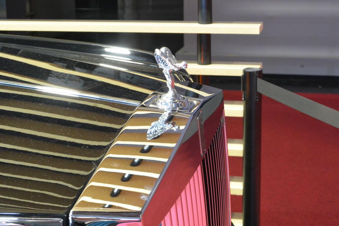 British Car Car Car Grille Close-up Indoors  Luxury Car Paris International Motor Show 2016 Rolls Royce Rolls Royce Ghost Spirit Of Ecstasy