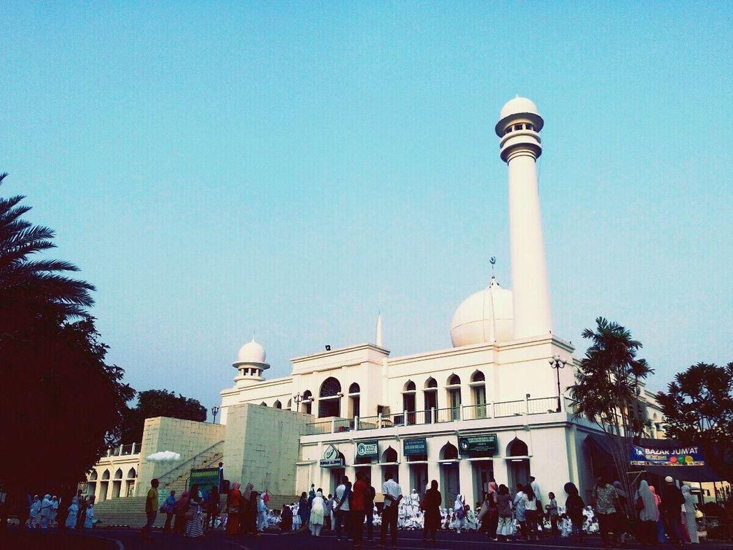 Al Azhar Ja karta on clear Sat morning