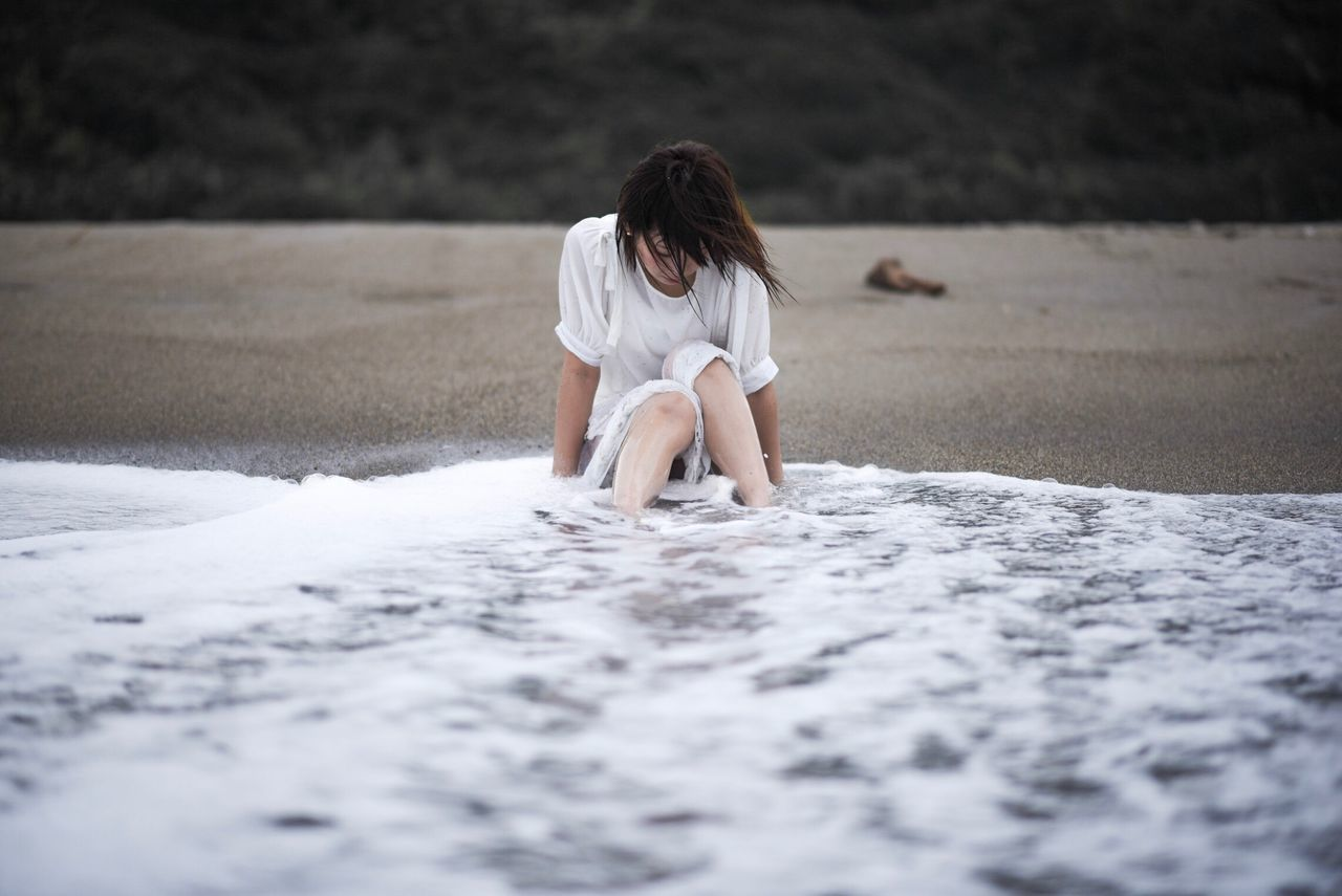 One Person Real People Sand Day Outdoors People Young Adult Adult Japan Portrait Sea Nature