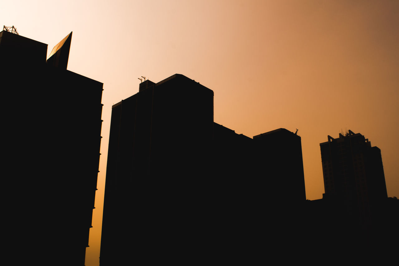 The Great Outdoors - 2017 EyeEm Awards The Architect - 2017 EyeEm Awards Sky Sunset Silhouette Architecture City Outdoors Day No People Nature Freshness Golden Light Golden Sunset First Eyeem Photo Building Exterior Building Light And Shadow City Lights City Orange Color Orange Sky