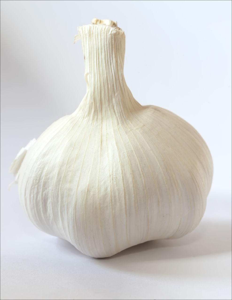 garlic, garlic bulb, food and drink, studio shot, food, close-up, no people, healthy eating, freshness, vegetable, white background, indoors, day