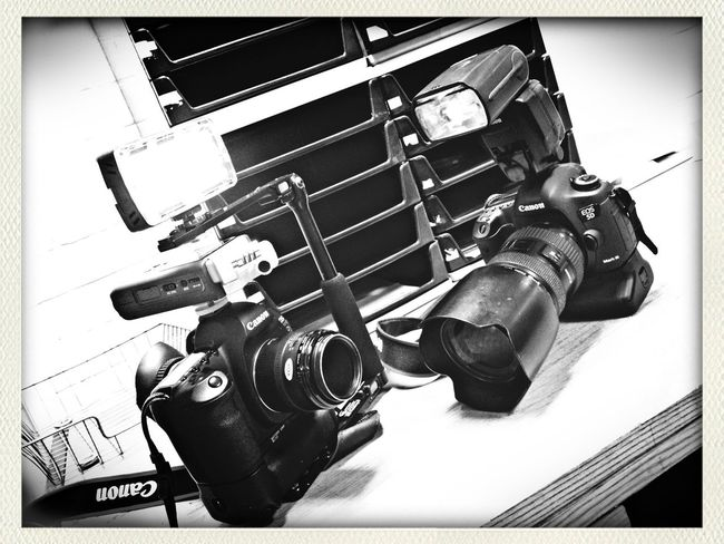 Canon film and stills gear www.shinepix.co.uk Working