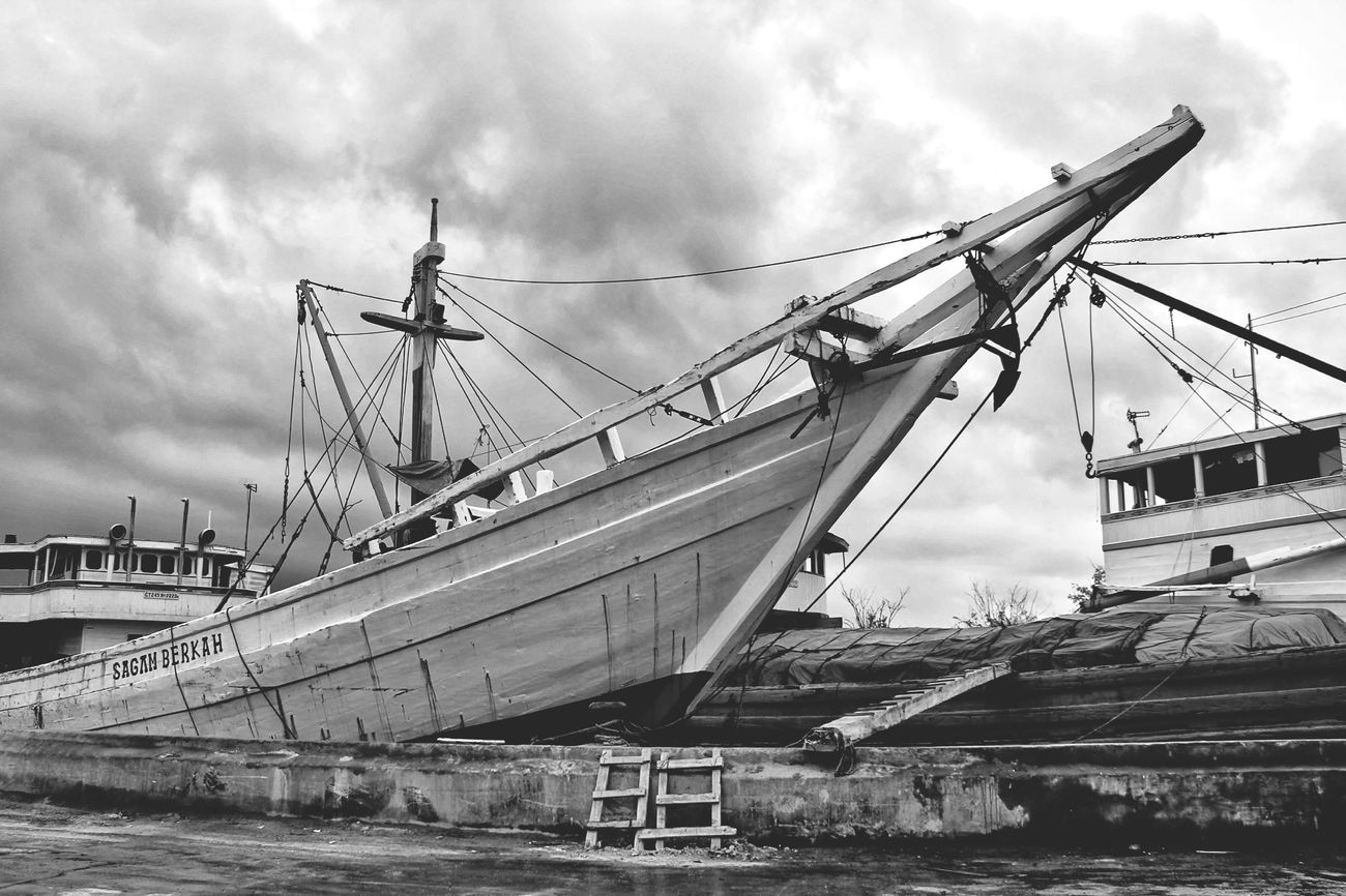 Sunda Kelapa Harbour Don Filter Blackandwhite GangPolos Gang_family