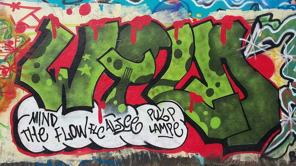 Original Photo Graffiti & Streetart Graffiti Roma Graffiti Art Iloveit Graffiti Graffitiporn Streetart Street Art/Graffiti Artist Art In Progress Graffiti Wall presso ponte delle valli 🎨 🌈 🔴 🔵 ⚪ ⚫ parte 3 Arteurbana 😊 Artedistrada Samsung A3 Urban Art Graffitilover GraffitiTour Streetart/graffiti