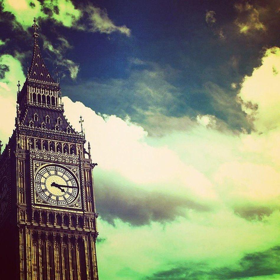 London... Uk London Londra Unitedkingdom Tower Bigben Beautiful Awesome Picoftheday Pic HD 2048p Follow4follow