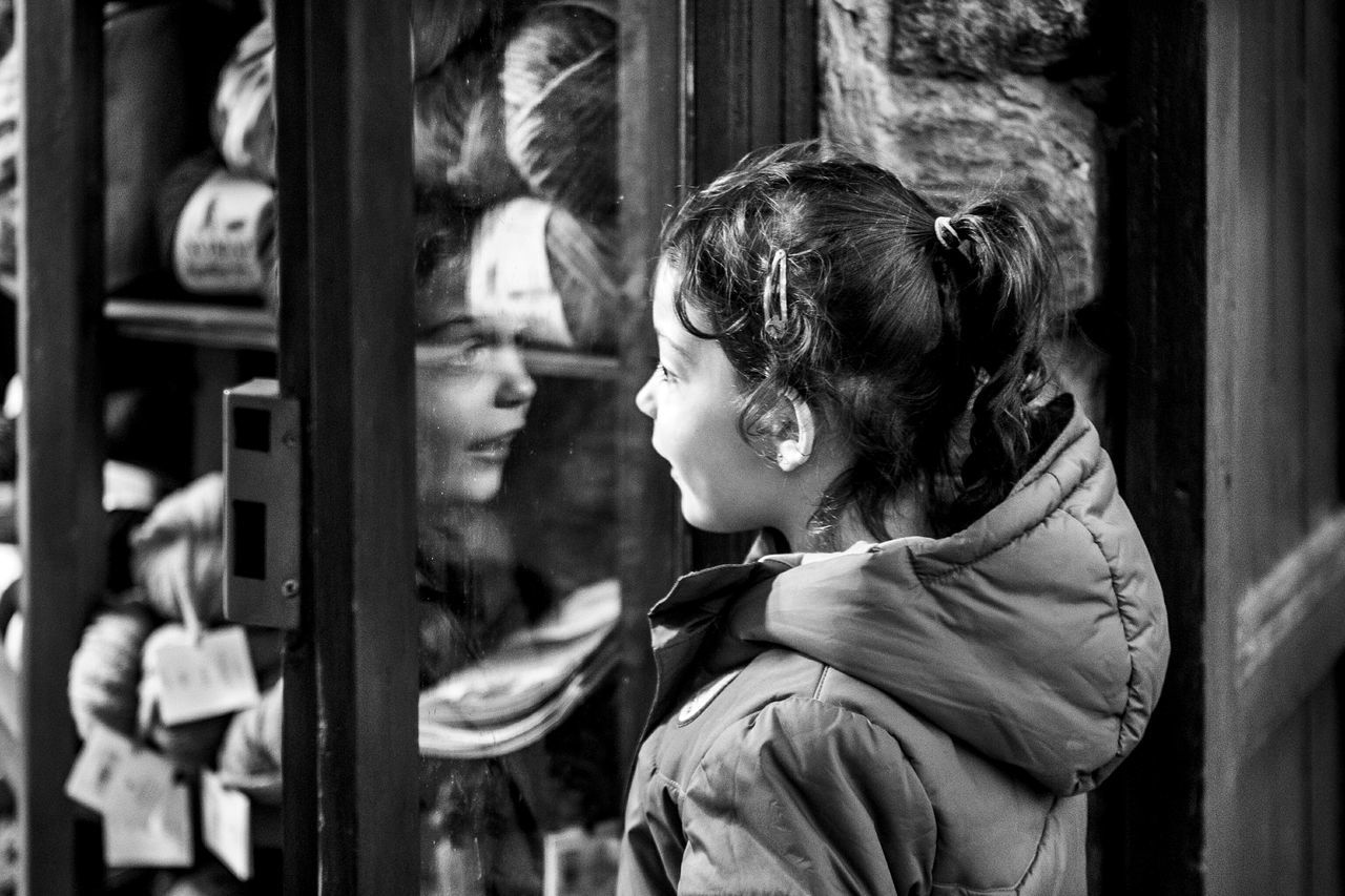 Light And Reflection One Person Lifestyles Real People Childhood Close-up One Girl Only Fragments Of Life Open Edit Things I See Blackandwhite Monochrome