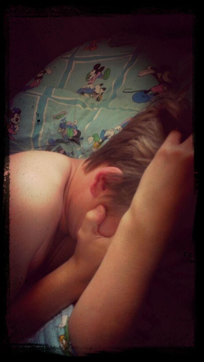 тема спит