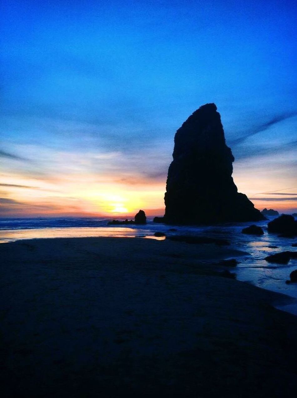 Sea Horizon Over Water Water Tranquil Scene Beauty In Nature Nature Scenics Tranquility Silhouette Sky Idyllic Rock - Object Sunset Outdoors No People Day Awesome Ocean Awesome_shots Beautiful Beach Best Sunrises And Sunsets Sea Stack Cannon Beach Cannon Beach, OR