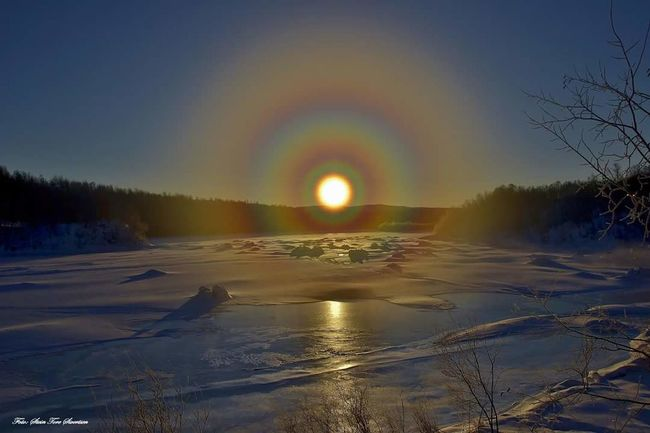 Halo all the way Taking Photos Check This Out Hello World First Eyeem Photo Nature Photography Lanscape Photography EyeEm Nature Lover Landscapes Whinter EyeEm Best Shots Bestfoto Sunshine Sun Colors Neiden