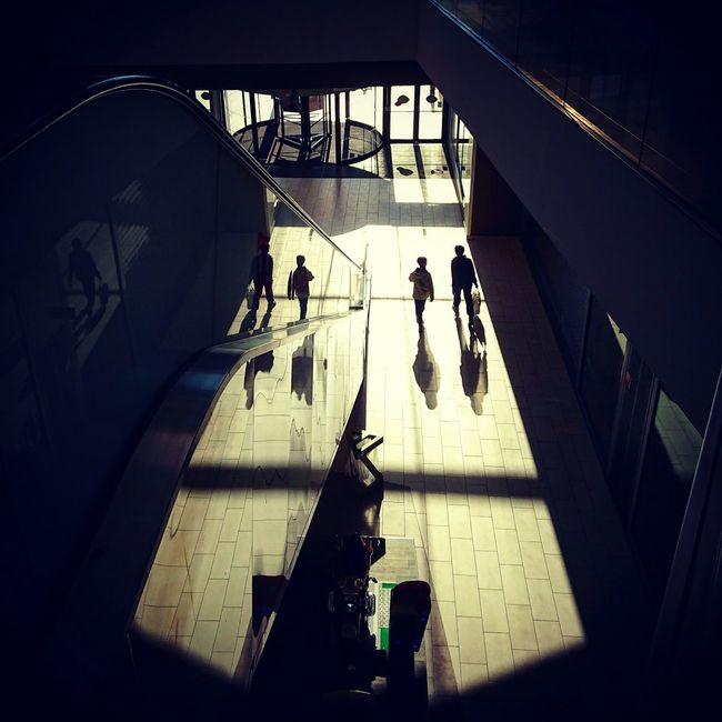 Have a nice day ! 👋😊 Enjoying Life EyeEm Best Shots - People + Portrait Light And Shadow Eyeem France Galery Shadows & Lights
