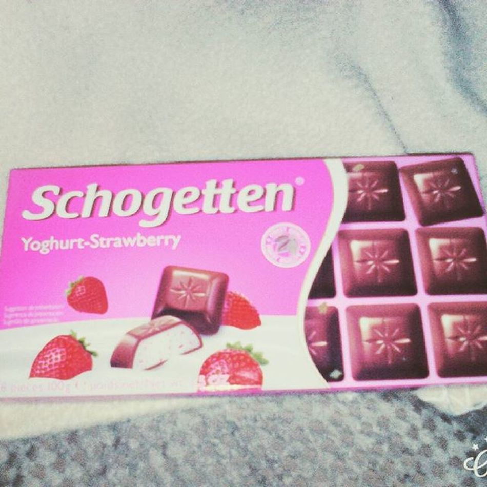 Maschaswonderland Schogetten Yoghurt Strawberry Recocery Ed Bulimia Essstörung Love Choco Erdbeer Like Love Delicious Instamood Like4like F4F