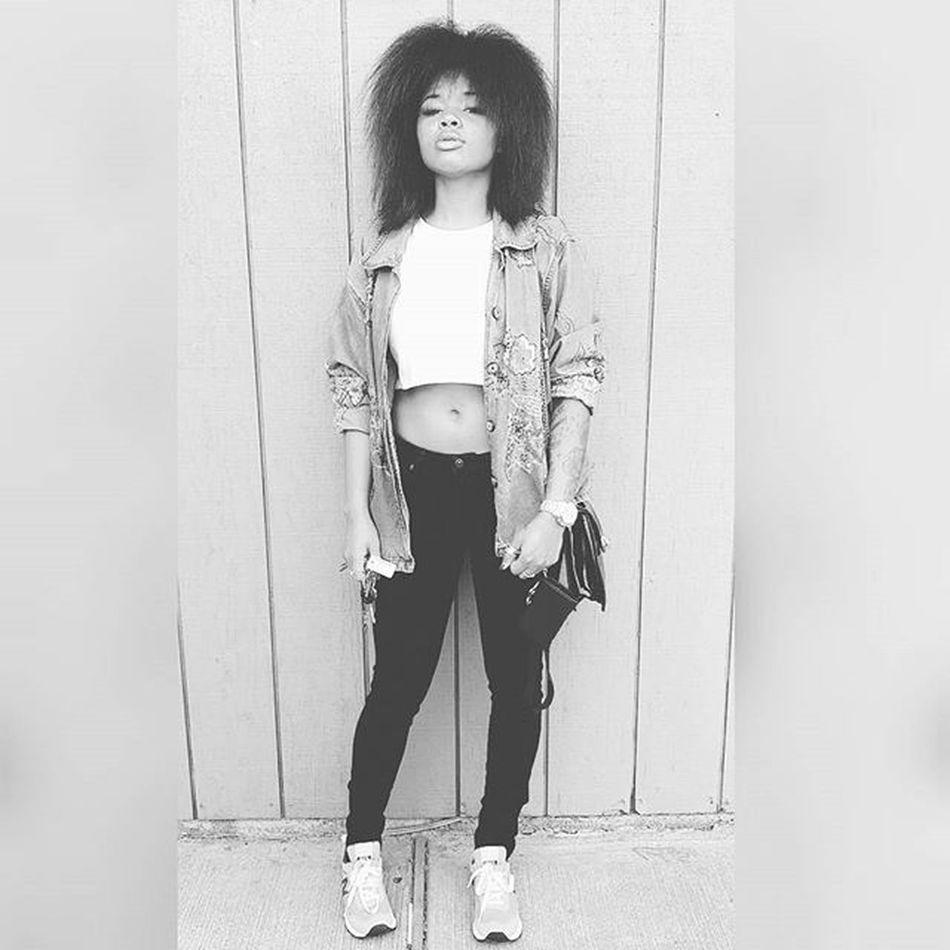 Gotta meet the line 💸 at Chevron ⛽ I got a 40 🔫 wit a drum And a hoodie over my teflon - The Politician FemaleRapper Bay Bayarea Mtv Music Pothead Weed Marijuana 420 Hemp2o Hippie Kush Loud Cookies Daejahvu Myhashtag Yesismoke Snapchat Model God Oakland Gangstas Beautiful Naturalhair h&m forever21 newbalance