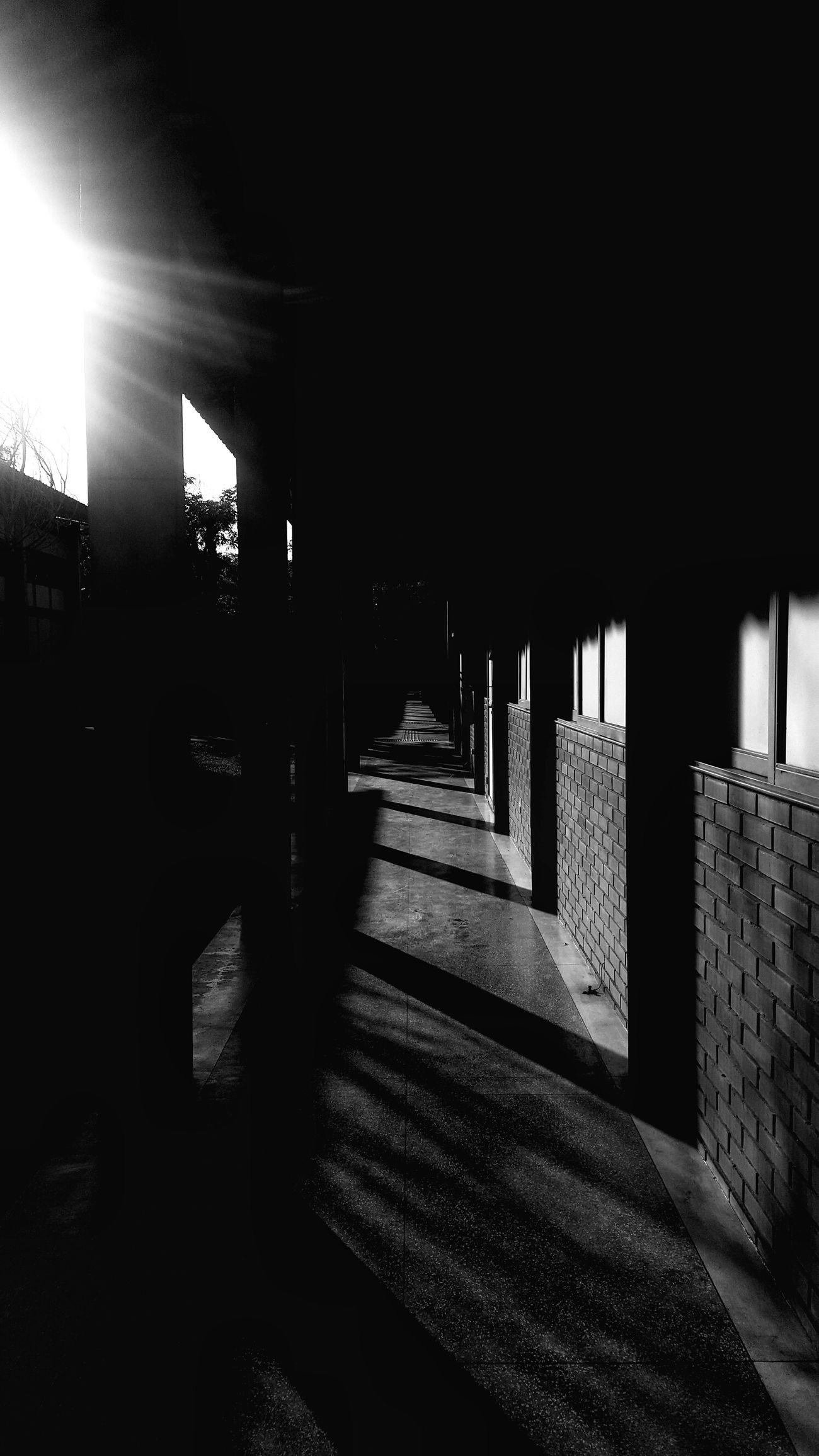 The City Light Blackandwhite Blackandwhite Photography EyeEmBestPics CampoGrande,MS EyeEm Best Shots EyeEm Gallery Eyeemphotography TheWeekOnEyeEM S6edgephotography S6 Edge Photography Shadow Sunlight S6edge