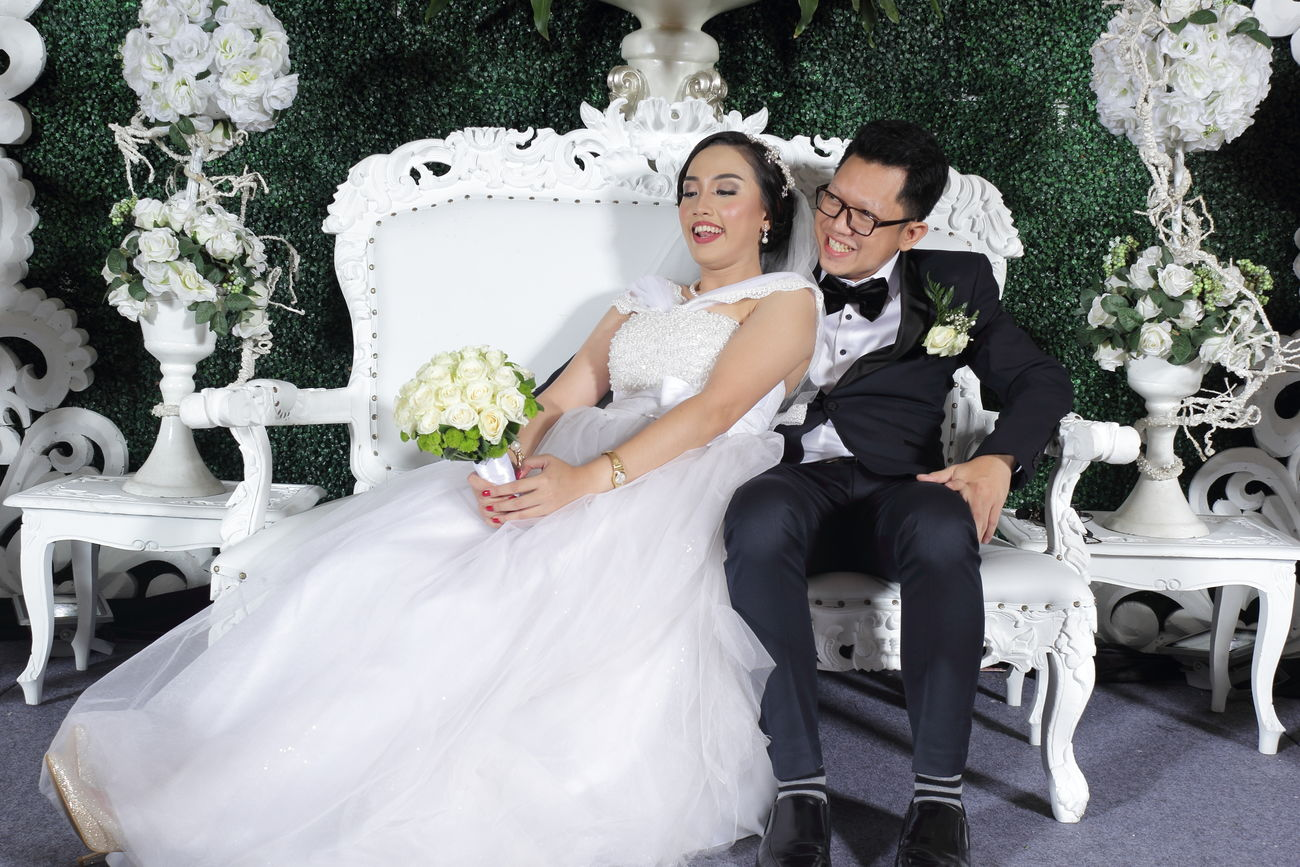 pada akhirnya, kita saling menggenapkan. itulah doaku. Bride Bridegroom Husband Newlywed Wedding Wedding Dress Wife