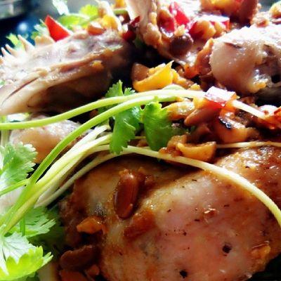 Ayam kukus saus tauco Kokigadungan @acmiid @williamwongso @santhiserad @fajar_arcana @billyoscar @jasminenoor Localdelicacy Localfood Traditionalfood discoverindonesia culinary foodporn indonesia
