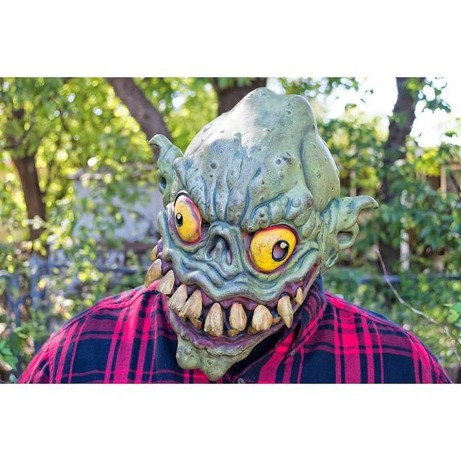 """Recently bought a Vintage Paper Magic Group mask called """"Mr Green"""" from 2002! Ratfink Maskfest Transworld Monsterpalooza Maskporn Everydayishalloween Halloweeneveryday Halloweenmask Darkart CostumeParty Instahorror Instahalloween Horrorcollector Horrorcollection Clowningaround Michaelmyers Donpost TWD Walkingdead Halloweenparty Clowns"""