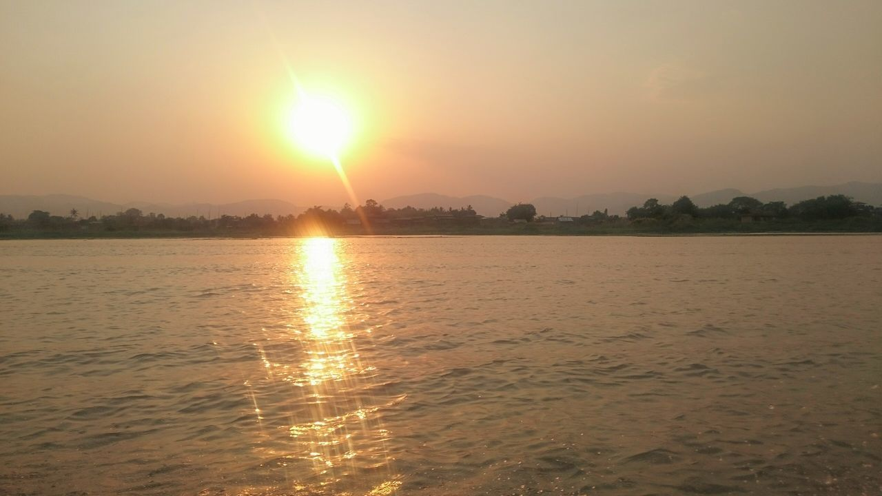 Sun Set Sun Setting Fire Ball Dusk Sky Water Reflections Sunset At The Lake Glittering Waters Inle Lake Myanmar Golden Moments  Showcase July