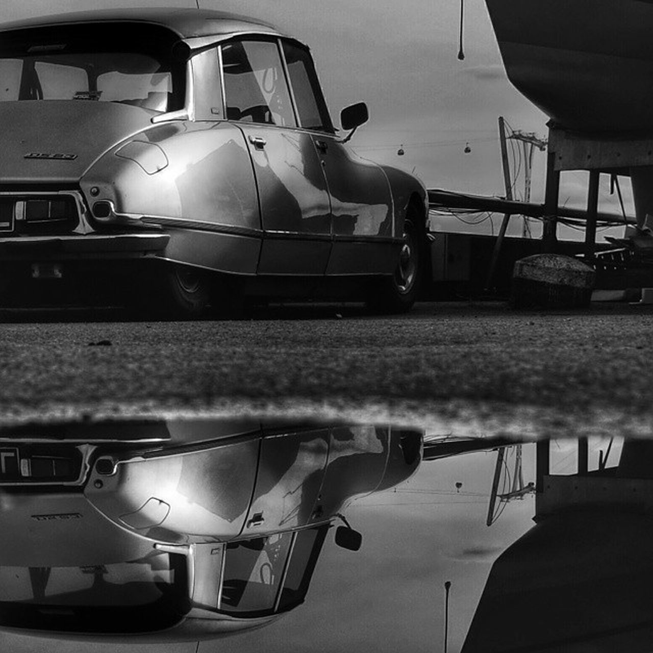 Vintage Citroen Ds23 Pallas at Trinitybuoywharf Design Classic Citroends Cars Dreamride Water Reflection