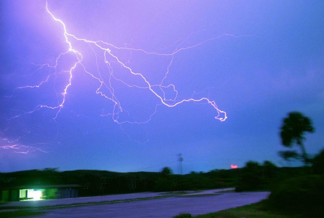 Lightning Lightning Strikes Thunderstorm Thunder Thunderbolt ThunderStorm⚡ Thunderstruck Lightning And Thunder Thunder And Lightning Fine Art Photography