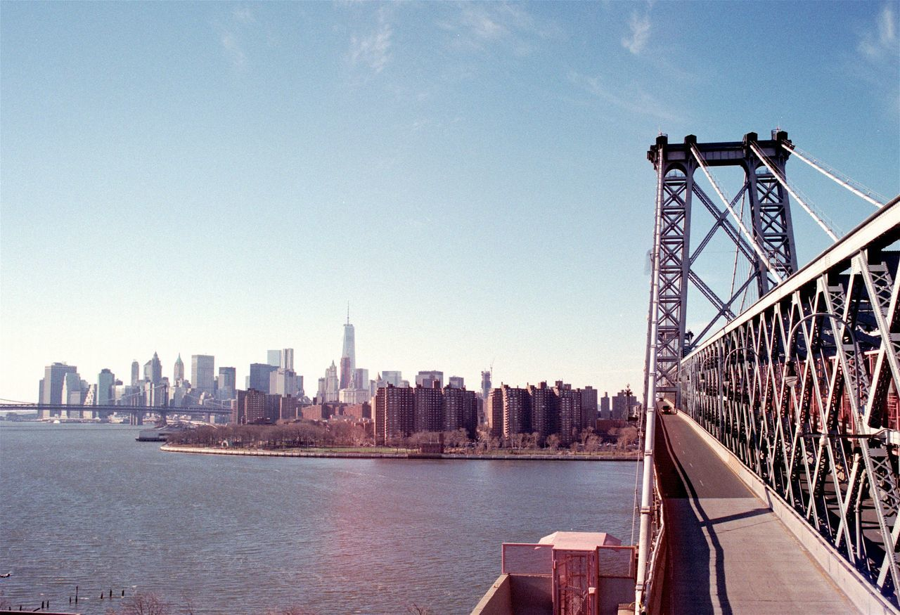 2015/01 — NYC, Brooklyn Analogue Photography Architecture Bridge Brooklyn Brooklyn Bridge / New York Cityscape Cityscapes Day Daylight Film Film Photography Highway Light Lightleak Manhattan New York No People NYC Riverside Skyline Subway Train Urban USA Winter