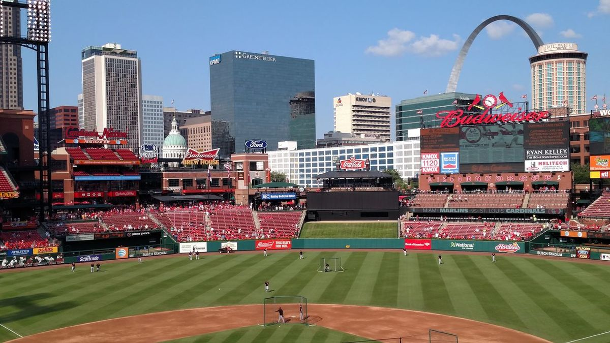 St Louis Cardinals Baseball St. Louis Cardinals Pretty St. Louis Arch City Life Cityscape City Baseball Field Baseball - Sport Baseball Stadium Giants Outdoors Clouds And Sky Day Freshness