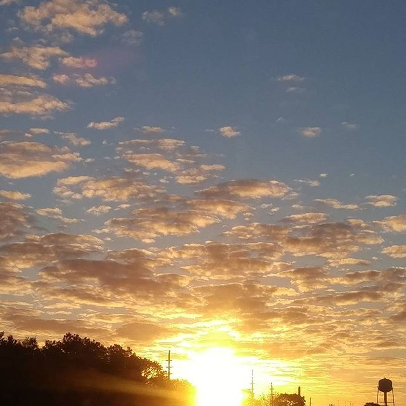 Good morning and happy Monday Sunrise LoveFl Emeraldcoast Emeraldcoasting Eglinafb Lgfanview LGG4 Lazerfocus @lggulf @lgusamobile @lgus @lgmobileglobal @LGUSAMobile @sharealittlesunshine @pureflorida