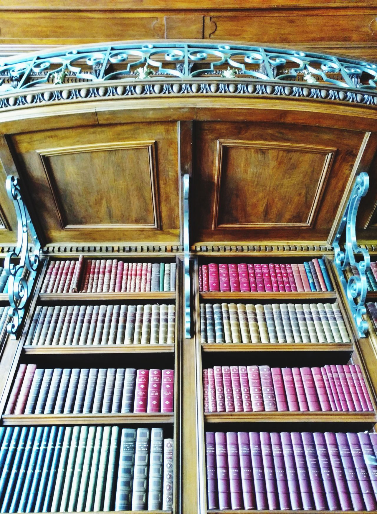 In Mr. Vanderbilt's Library @ the Biltmore! Huge Personal Library Books Galore Architecture Gorgeous Wooden Shelves Antique Historic Indoors  Love To Read EyeEm Gallery Cell Phone Photography