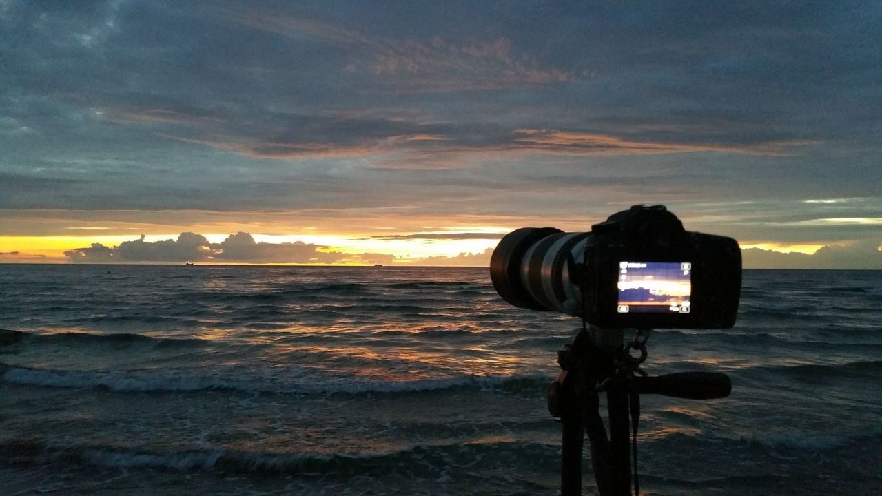 Sunset And Clouds  Beachphotography Goodnight Colors Of Nature Sunset Sunset_collection Tadaa Community Sunsetporn Beach Photography Beach Camera - Photographic Equipment Sea Scenics Outdoor Photography Silouette & Sky From My Point Of View AMTPt_community Beautiful View No People Atmospheric Taking Photos Outdoor EyeEmbestshots My Year My View Beachview