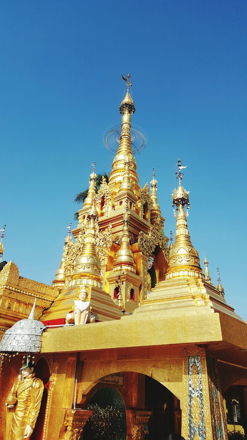 midstream temple at myanmar