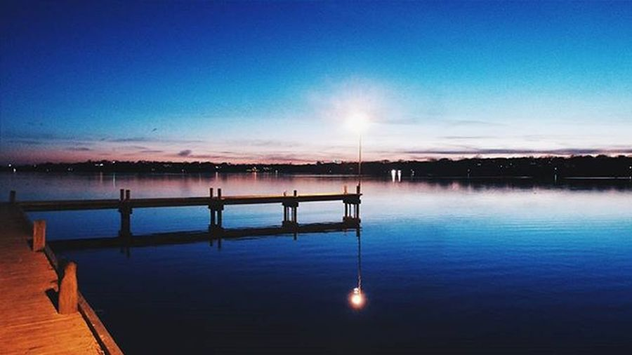 A brisk, cold evening in Dallas at the lake. Sunsets Lakes  Nature January Whiterocklake Instapic Instadallas Igdallas Instadfw Igdfw Visittexas VSCO Vscocam Vscophile Fujifilm Amateurphotography