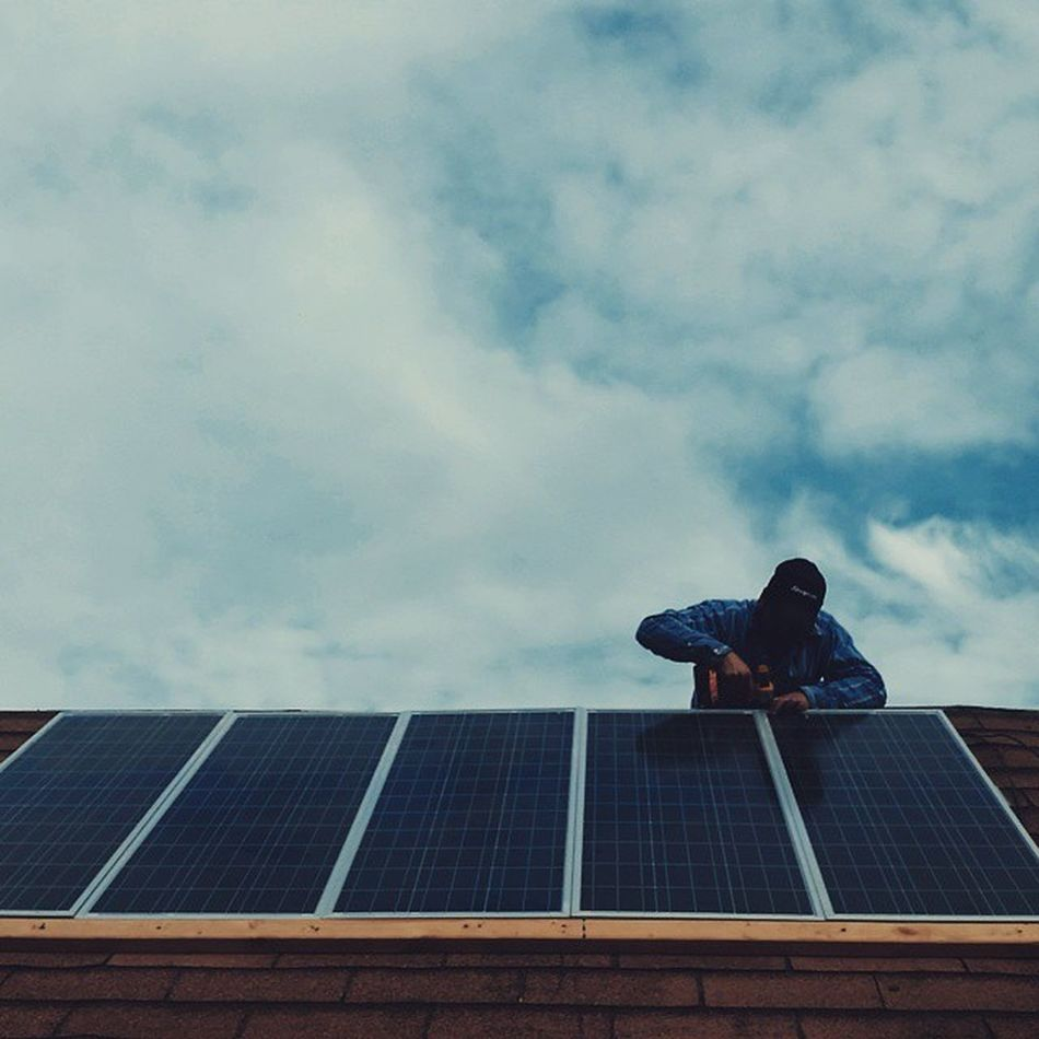 Solar Powered Lifestyle. Power Paneles Solares Install Energía