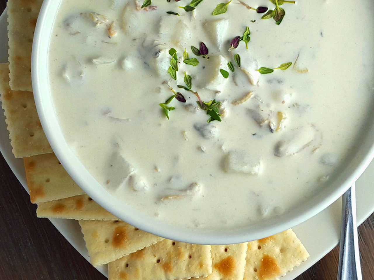 Clamchowder Clam Chowder Soup Seafood Foodphotography Top Perspective Close-up Comfortfood Crackers Food Porn Awards Foodporn Foodphoto Cooking