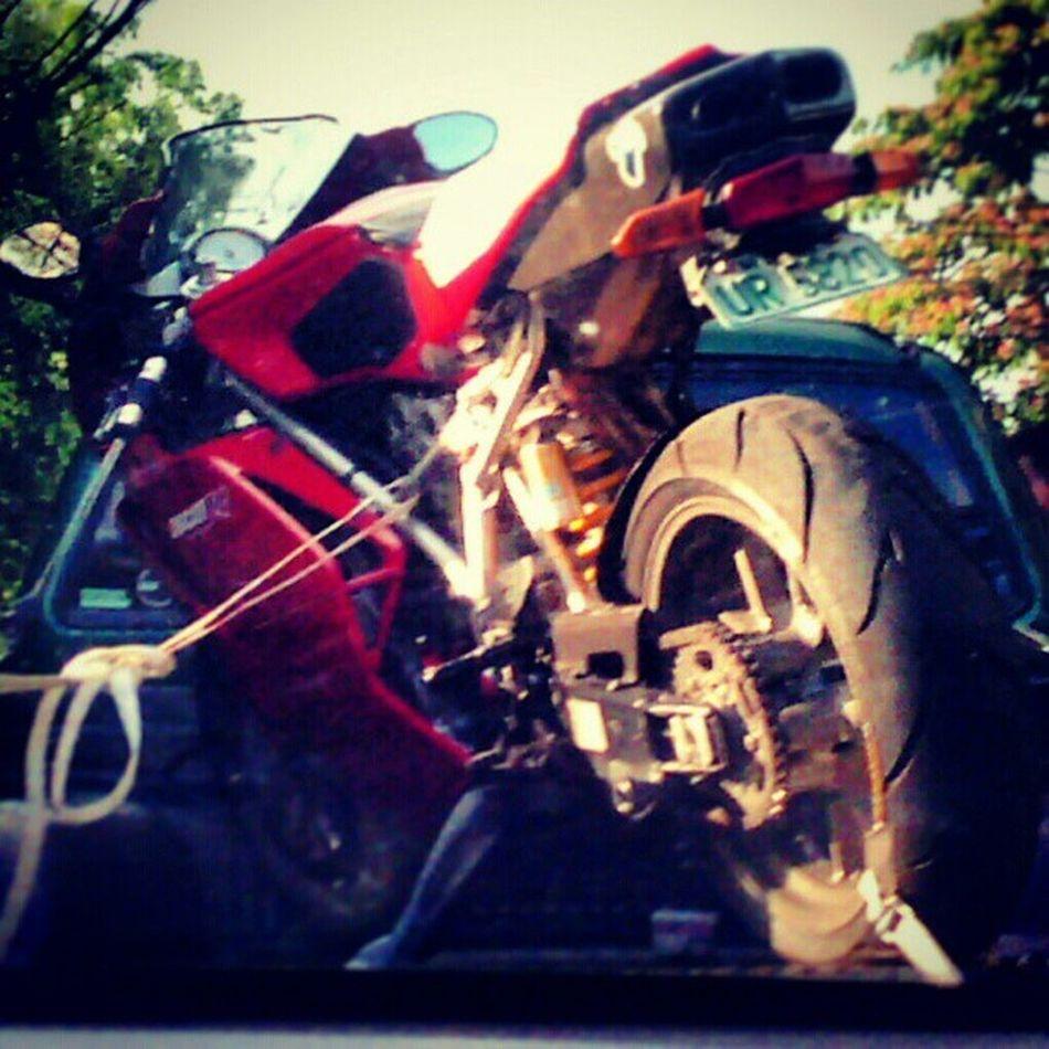 Saw this awhile ago :) DUCATI 749 <3 :> Love Beauty Ducati749 Ducati instabike bikemoto motorcycle instamotor instamotorcycles instamotorcycle instamotogallery instamoto instagroove 749