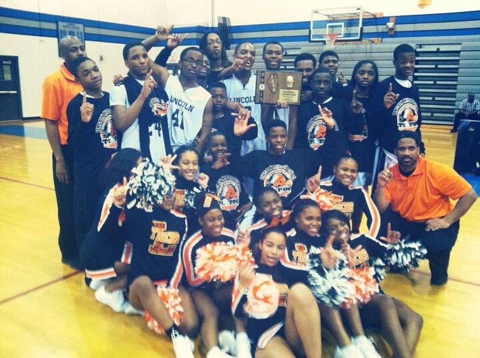 My team, 8th grade regional champions ♡