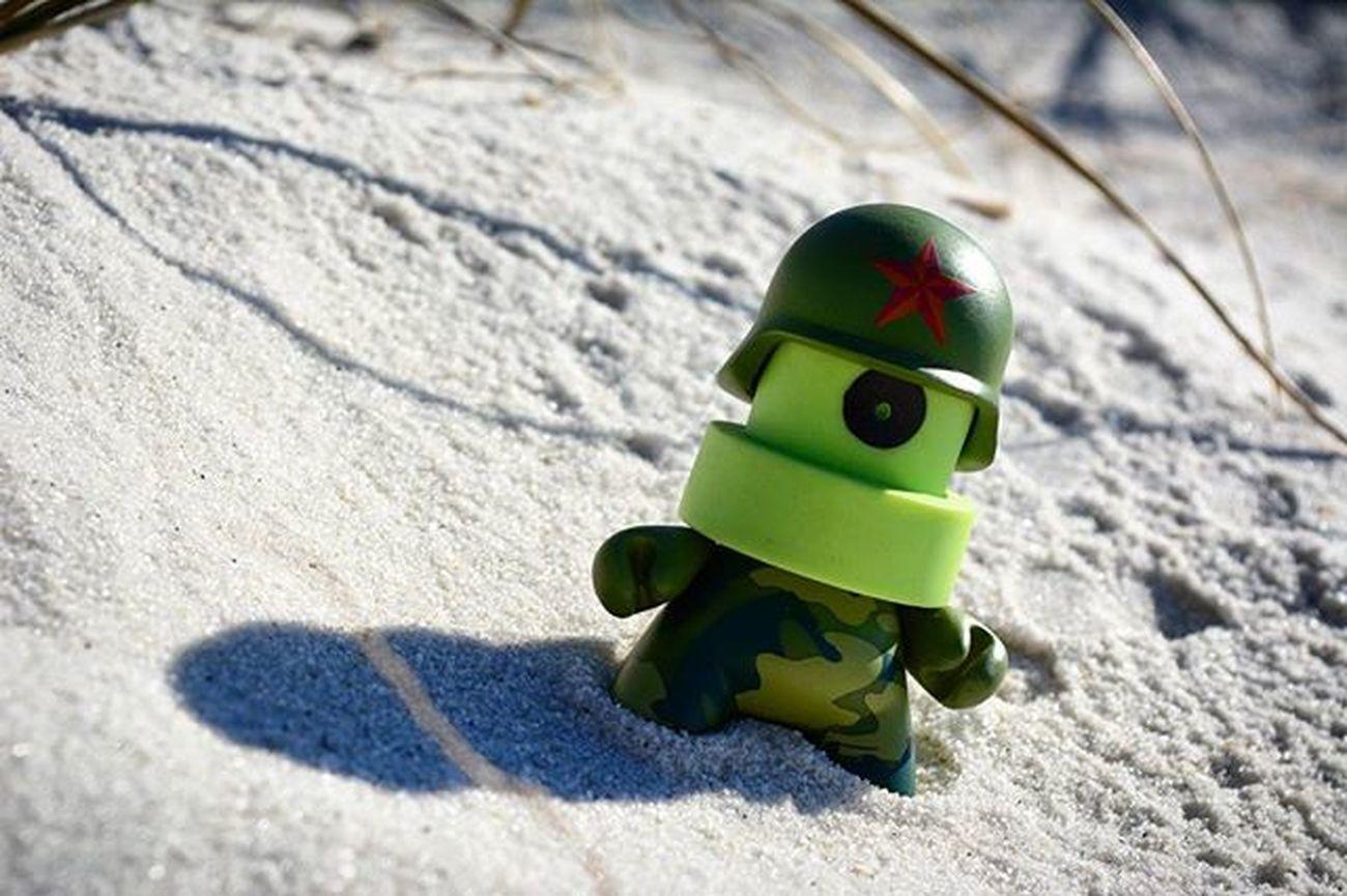 Sand Patrol..Toyonlocation Toy_nerds Circa1982 Kidrobot Df Att Taç Toystagram Toycrewbuddies Munny Spraycan Toyoutsiders Toptoyphotos Toygroup_alliance Toyphotography Toyboners Capturedplastic Beach Pensacola_toynerds