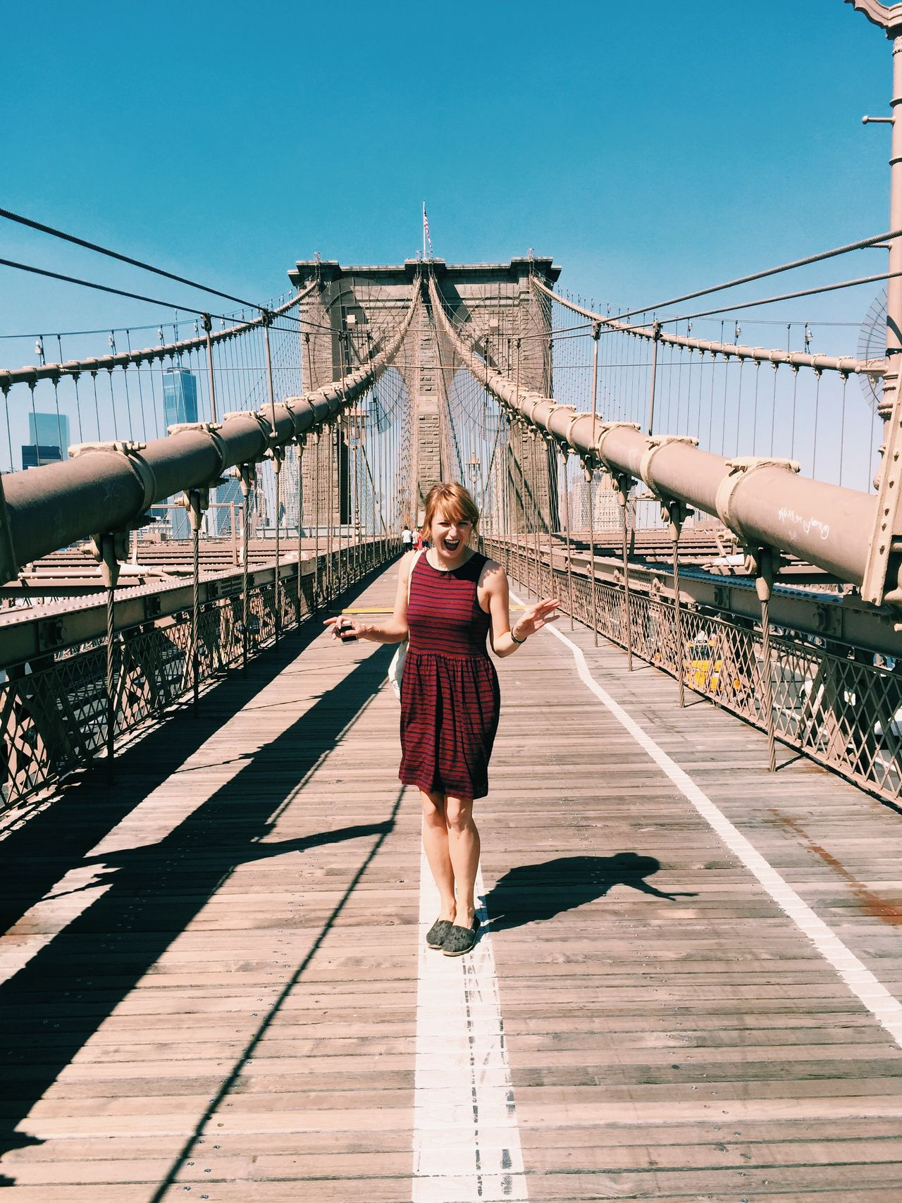Beautiful stock photos of smile, 25-29 Years, Architecture, Bridge - Man Made Structure, Brooklyn Bridge