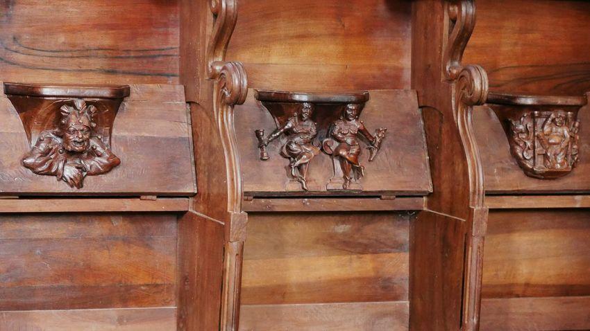 Décors des miséricordes des assises du choeur de l' Abbatiale de Conques - Wood - Material Religion Aveyron Religious  Religious Art Art Sculpture Church Churchporn Architecture Religious Architecture Patrimoine