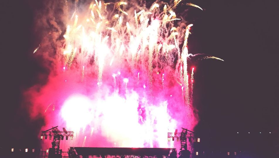 Firework Display Exploding Event Night Coldplay Pyro Coldplayconcert Pink