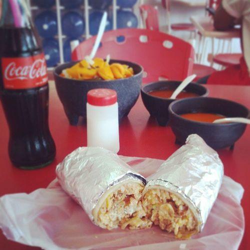 """Esto es lo que comen los dioses cuando están de """"buenas"""" TortasElRey BurritaDeAlPastor"""