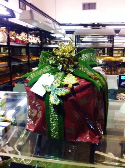 Italian Panettone Holidays Italian Food Confectionery Decoration Regalo Dolci Present Christmastime Shop Shop Window Italy Christmas Tree