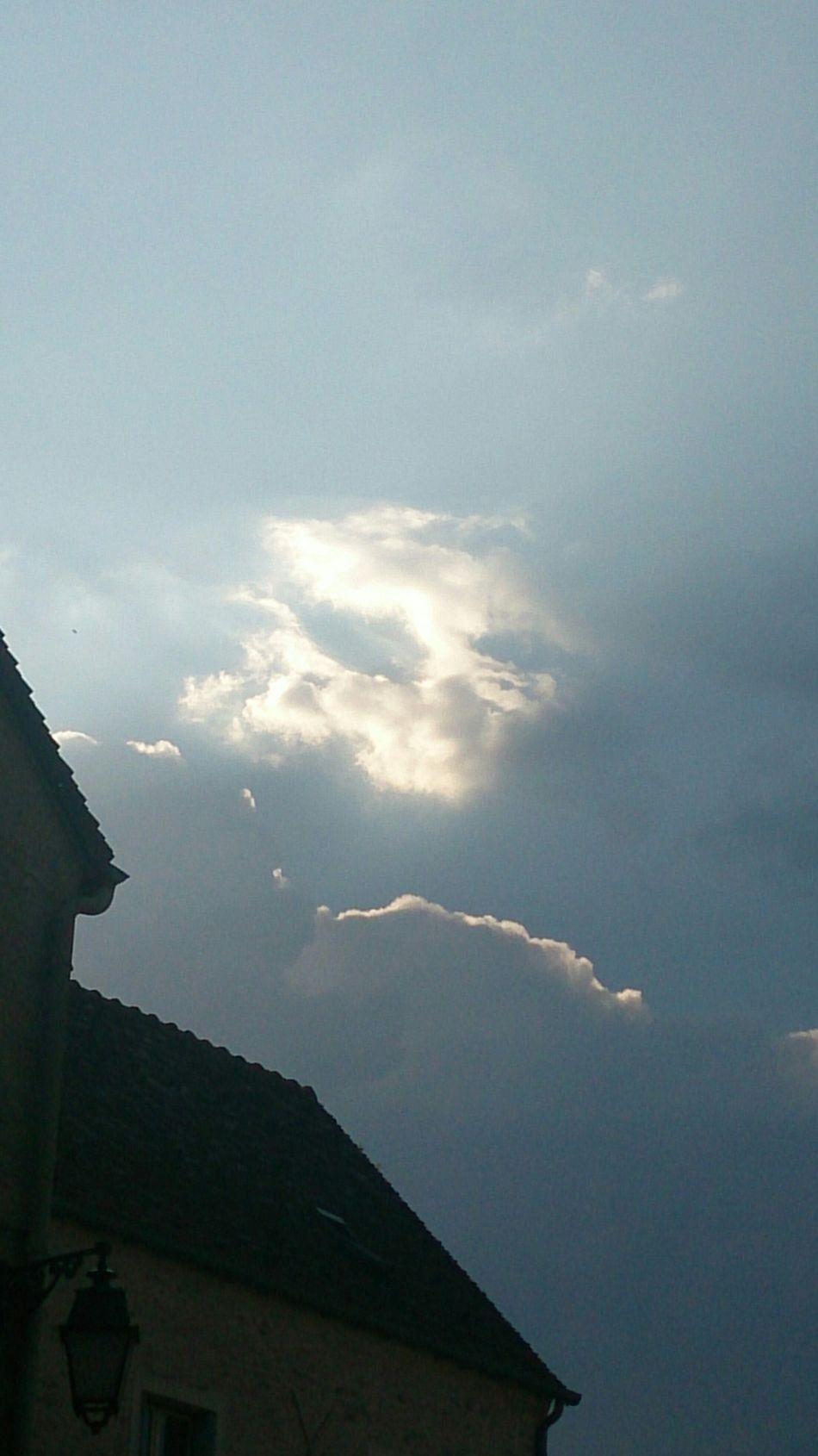 Taking Photos Enjoying Life At Home,sky And Sun