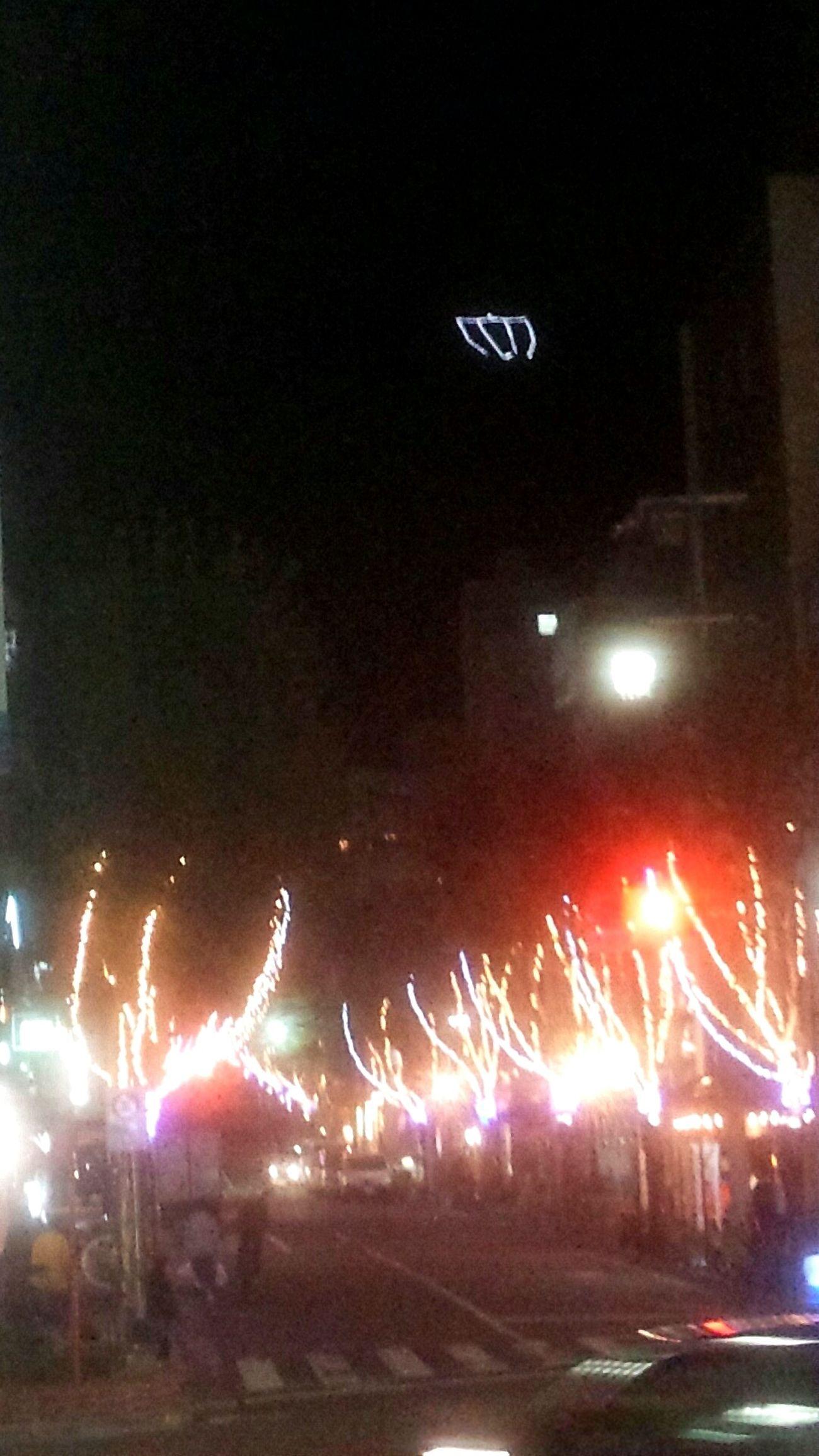 またまた北野坂!! 山のマーク?が変わっています。ぶれぶれやぁ⤵Taking Photos Streetphotography Nightphotography 北野坂